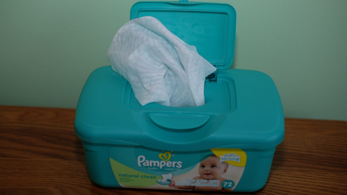 baby wipes in container